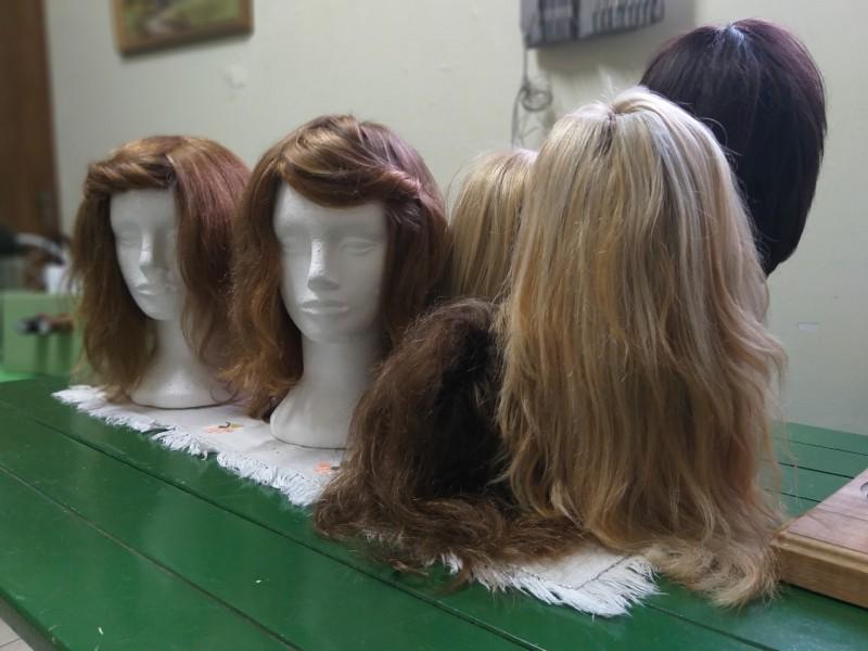 As perucas são produzidas no Centro de Apoio à Criança com Câncer. Foto: Wellerson Leal